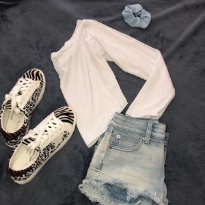 🌟White Off-Shoulder Crop-Top🌟